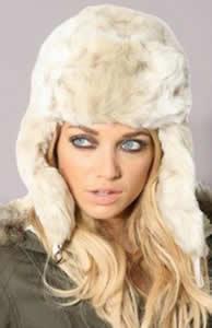 Зимние женские вязаные шапки купить в