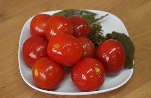 Польза и вред солёных помидоров
